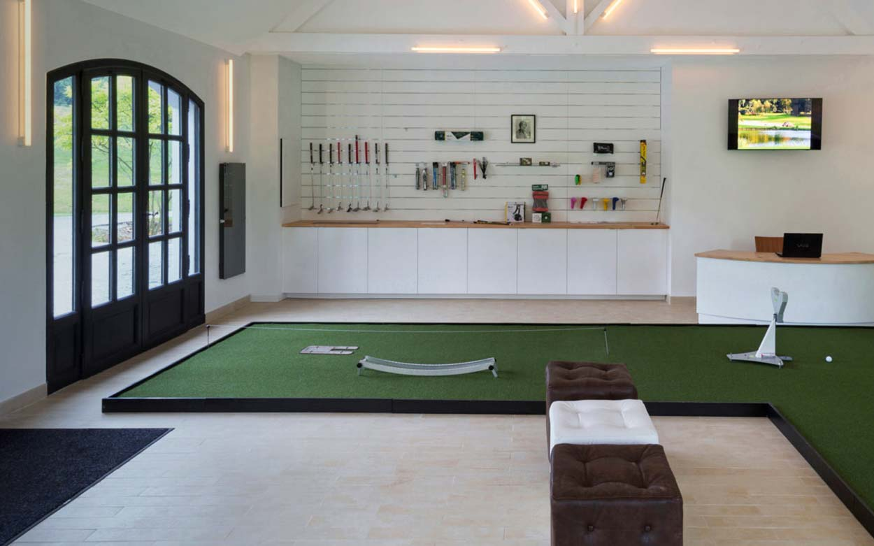 Paris International Golf Club Training Putting Academy