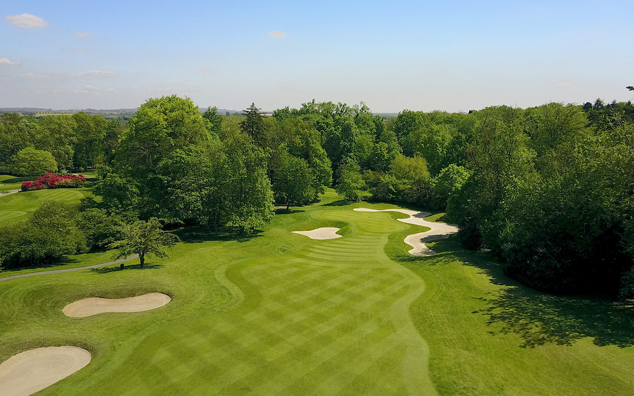 Paris International Golf Club The Course Hole n°1